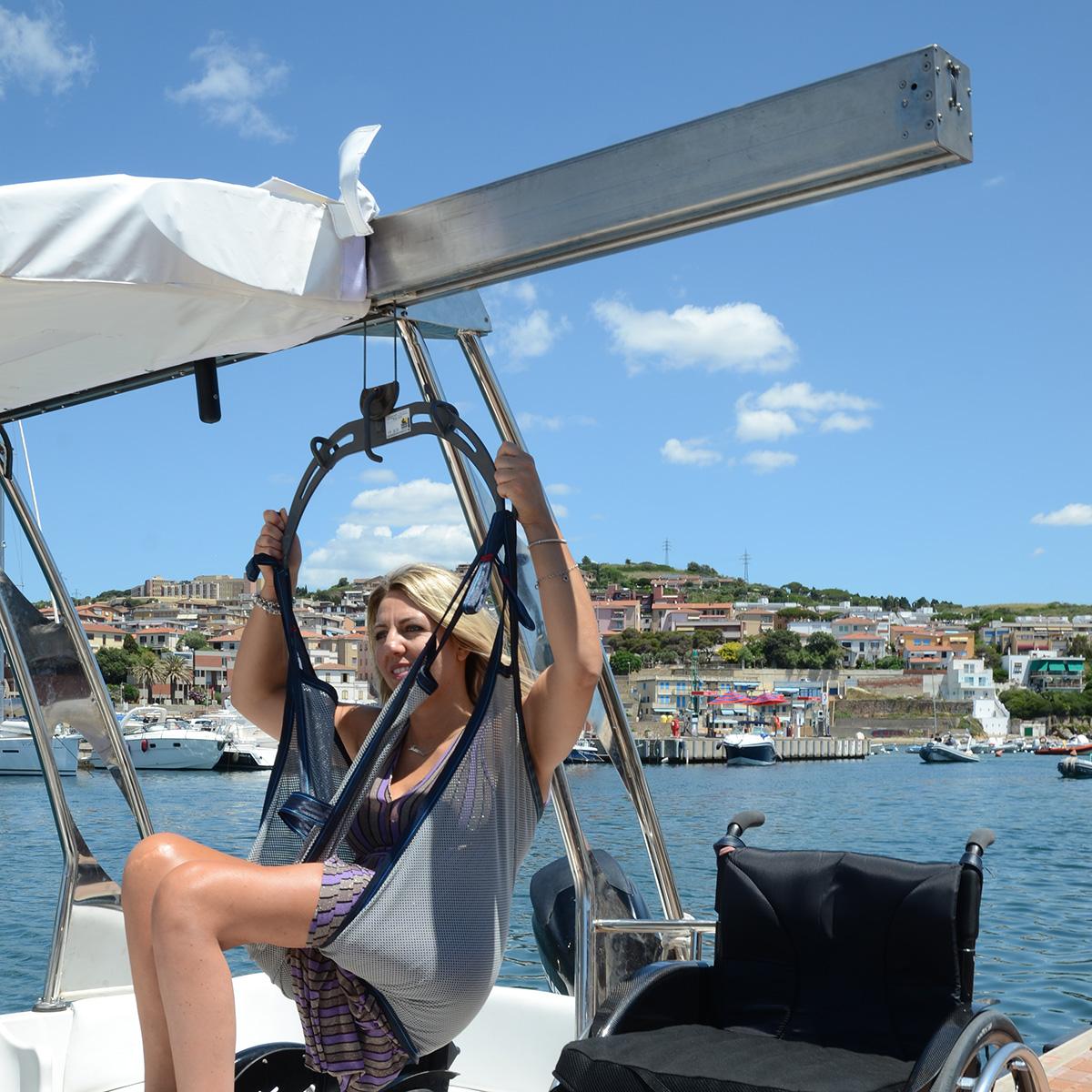 patente nautica per imbarcazioni trasporto disabili con sollevatore per disabili sealift special line per imbarcazioni gommone barche trasporto
